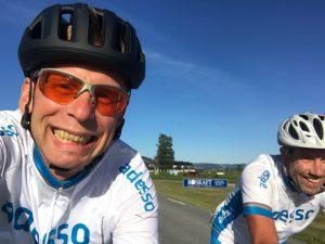 Da war die Welt noch in Ordnung. Einrollen mit Andreas rund um Trondheim zwei Tage vor dem Rennen bei immerhin zweistelligen Temperaturen.